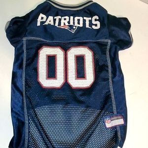 NFL Patriot L dog shirt - jersey